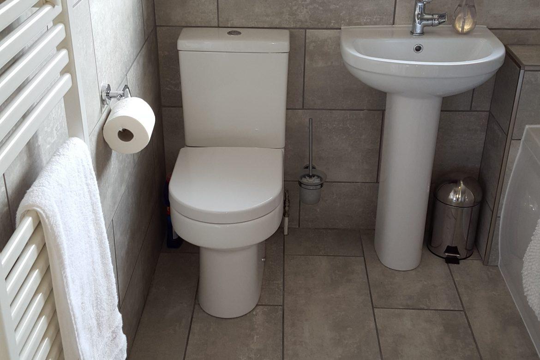 Bathroom tiling after 2